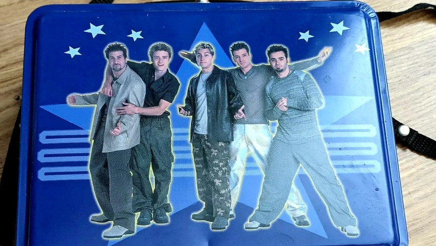 NSYNC COLLECTIBLE BLUE LUNCH BOX WITH CARRYINGSTRAP
