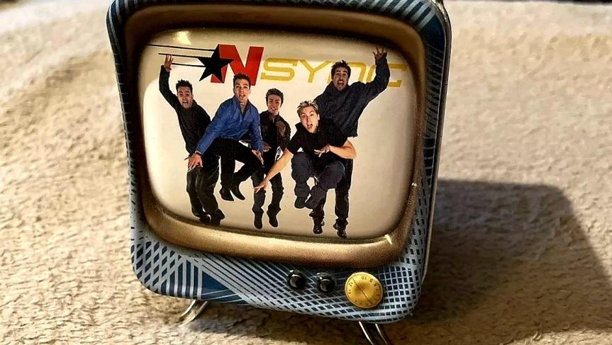 NSYNC COLLECTIBLE TIN TV BANK BYZEEKS
