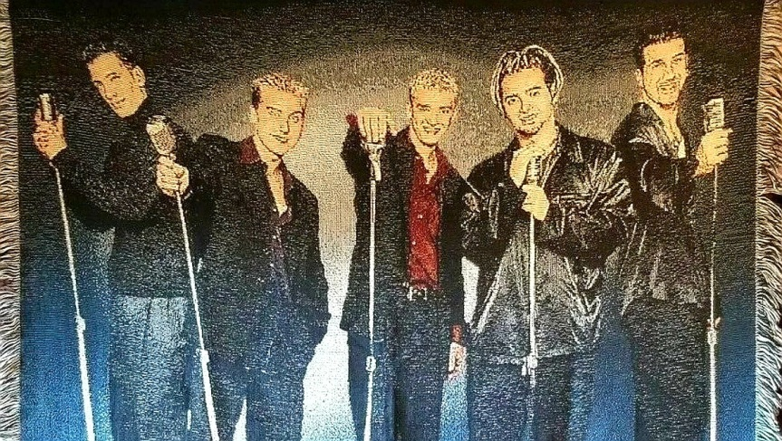 NSYNC WOVEN TAPESTRY STYLE THROW BLANKET BOY BAND BEHIND MICROPHONES WITH LARGELOGO